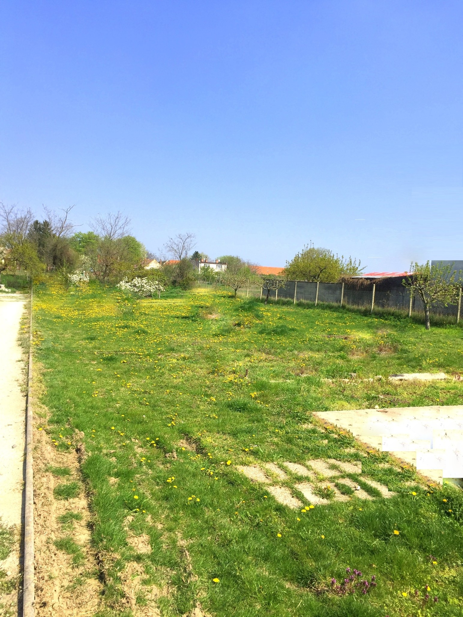 Stavebný pozemok 1187 m2 (18m x 66m) v obci Gáň, okr. Galanta