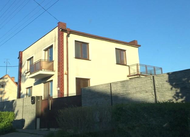 Zrekonštruovaný 5 izbový rodinný dom s krásnym pozemkom 1505 m2, garážou a bazénom, v Sládkovičovo
