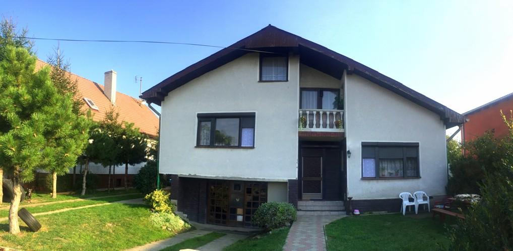 4 izbový rodinný dom 185 m2 s garážou na pozemku 590 m2 v obci Gáň