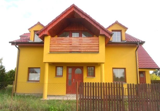 6 izbový rodinný dom, úžit.plocha 250 m2 na pozemku 643 m2+ garáž, Veľké Úľany