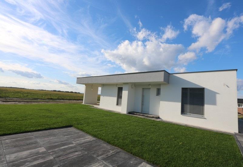 NÍZKOENERGETICKÁ NOVOSTAVBA 3 izbový rodinný dom 96m2 a terasa 32m2, pozemok 418 m2, Košúty