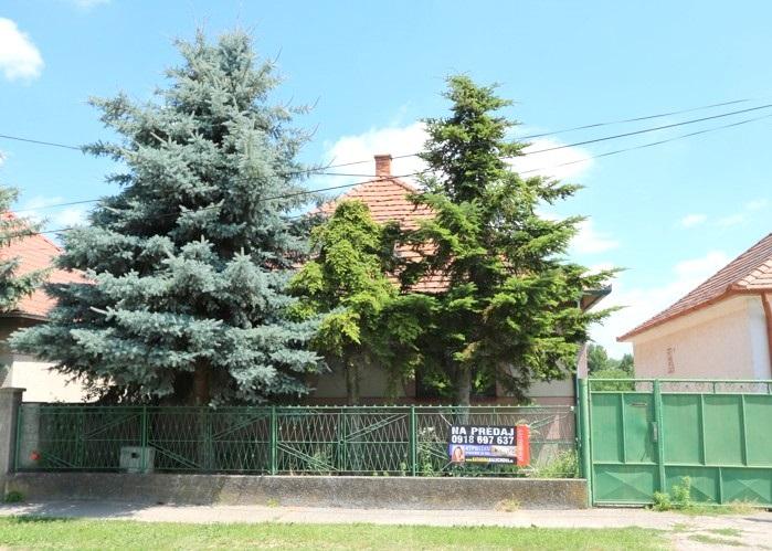 3 izbový rodinný dom 154 m2 s garážou na pozemku 1075 m2 v obci Nebojsa, okr. Galanta