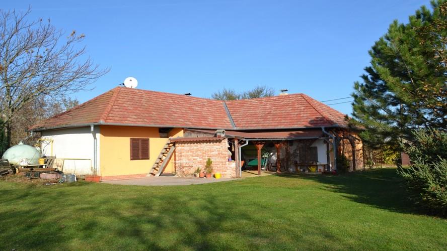 REZERVOVANÉ! 3,5 izbový rodinný dom – chalupa (153 m2) na pozemku 1600 m2 v osade Perješ