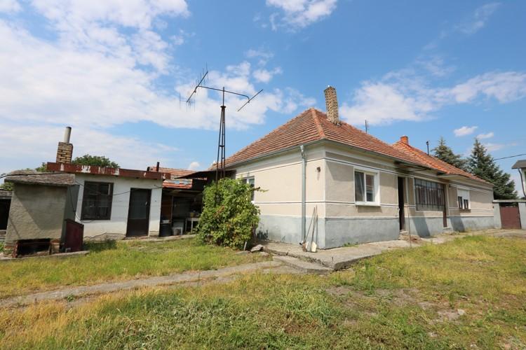 REZERVOVANÝ Veľký 5+1 izbový rodinný dom 200 m2 na pozemku 1126 m2, Veľká Mača, okr. Galanta
