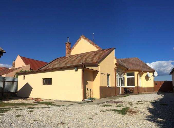 5 izbový rodinný dom 120 m2, pozemok 850 m2 v meste Sládkovičovo, časť Dánoš