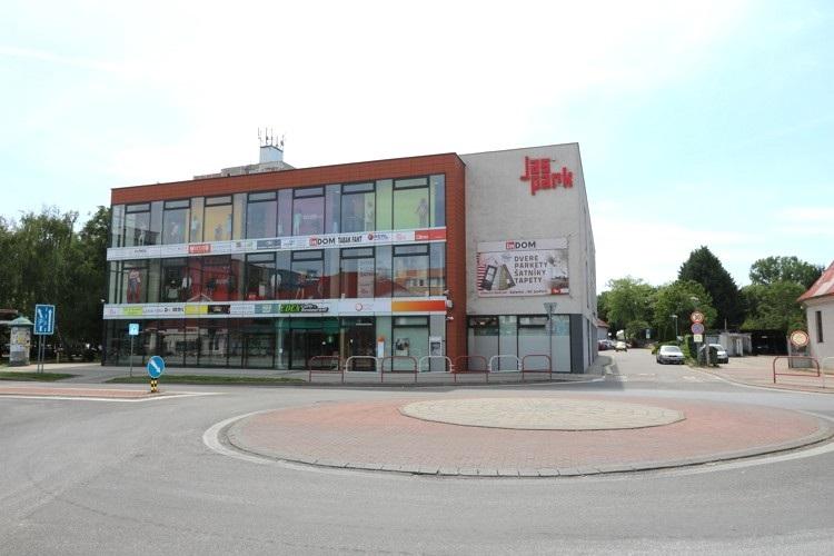 Obchodný priestor 75 m2 v centre mesta Galanta, novostavba JAS PARK – 2.poschodie  312,50 €