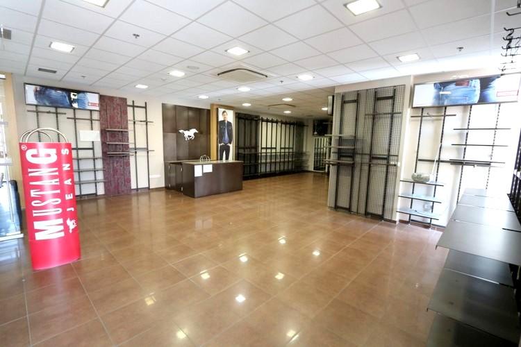 Obchodný priestor 88 m2 v centre mesta Galanta, novostavba JAS PARK. 491,33 €