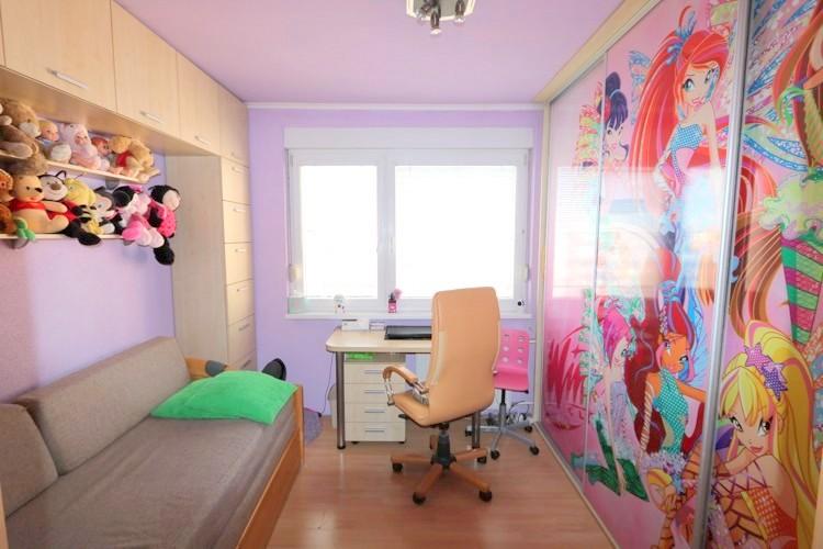 Zrekonštruovaný 3 izbový byt, 71 m2, 5/5, zasklený balkón. Galanta, sídl.SNP 83.000 €