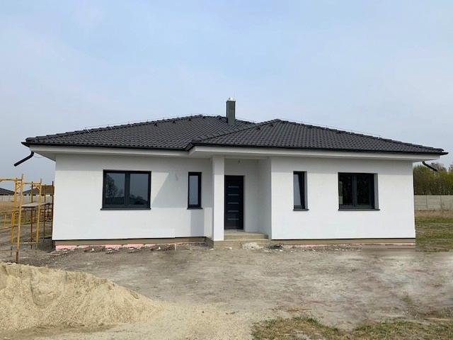 REZERVOVANÝ 4 izbový rodinný dom NOVOSTAVBA NA KĽÚČ 162 m2, pozemok 781 m2, Veľké Úľany, EkoOsada 146.000 €