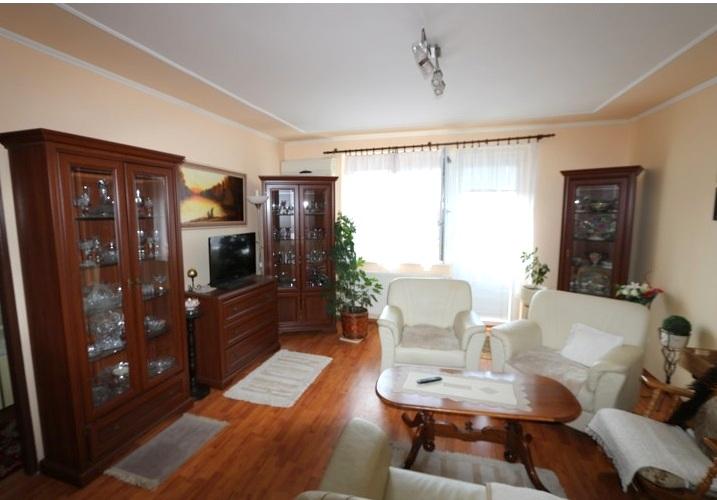 Zariadený 3 izbový byt, 75 m2, 3.posch., Galanta, Galaxia.  Voľný ihneď.