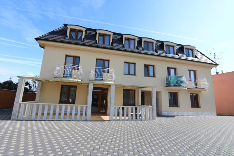 Novostavba 3 izbový byt 62m2, 2.poschodie v obci Čierny Brod. Cena 69.900 €