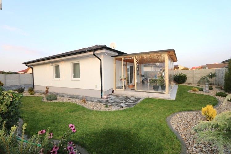 REZERVOVANÉ Moderný 3 izbový rodinný dom (141 m2) pozemok 520 m2, Galanta Kolónia