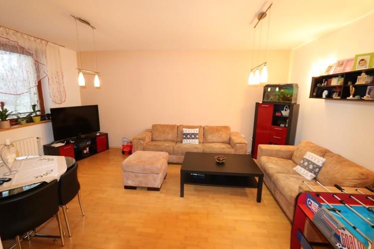 Veľký 3 izbový byt, 80 m2, 1/4, loggia v meste Trnava, Na Hlinách