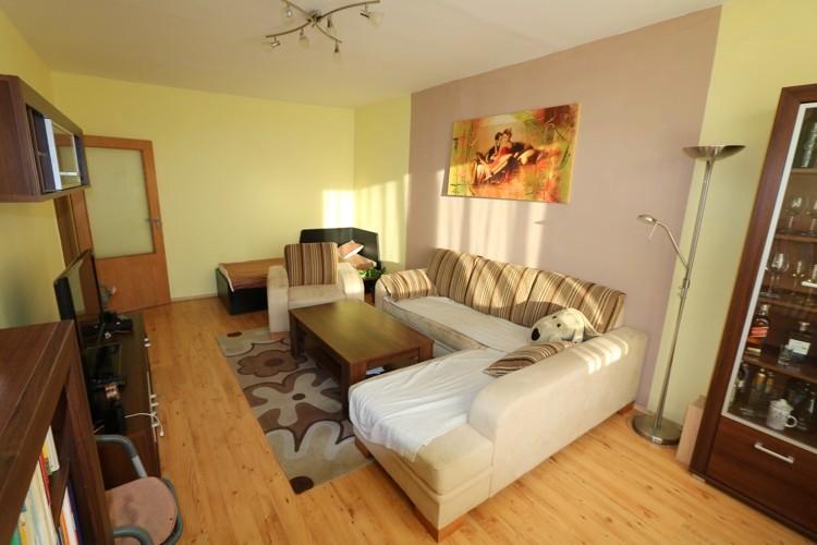 Veľký 2 izbový byt s balkónom 4/5, 71 m2, Galanta, sídl.SNP
