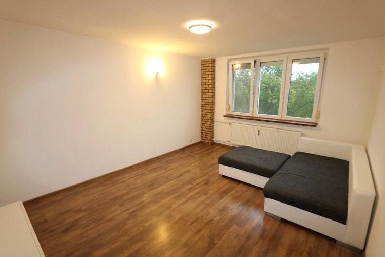 Komplet zrekonštruovaný priestranný 3 izbový byt 73m2, 4/9  Galanta (ul. Zoltána Kodálya)