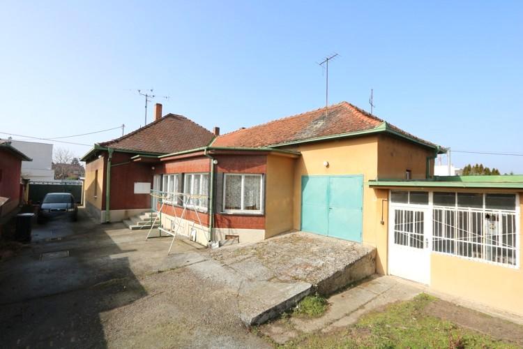 4 izbový prízemní rodinný dom 192m2 priamo v meste Galanta