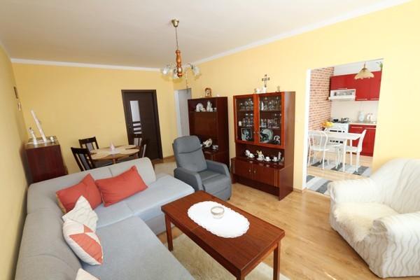 REZERVOVANÉ! 3 izbový byt 66 m2 s loggiou, 2/7. Galanta, ul. Mierová 86.600 €